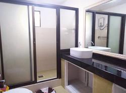 Room  4 CR
