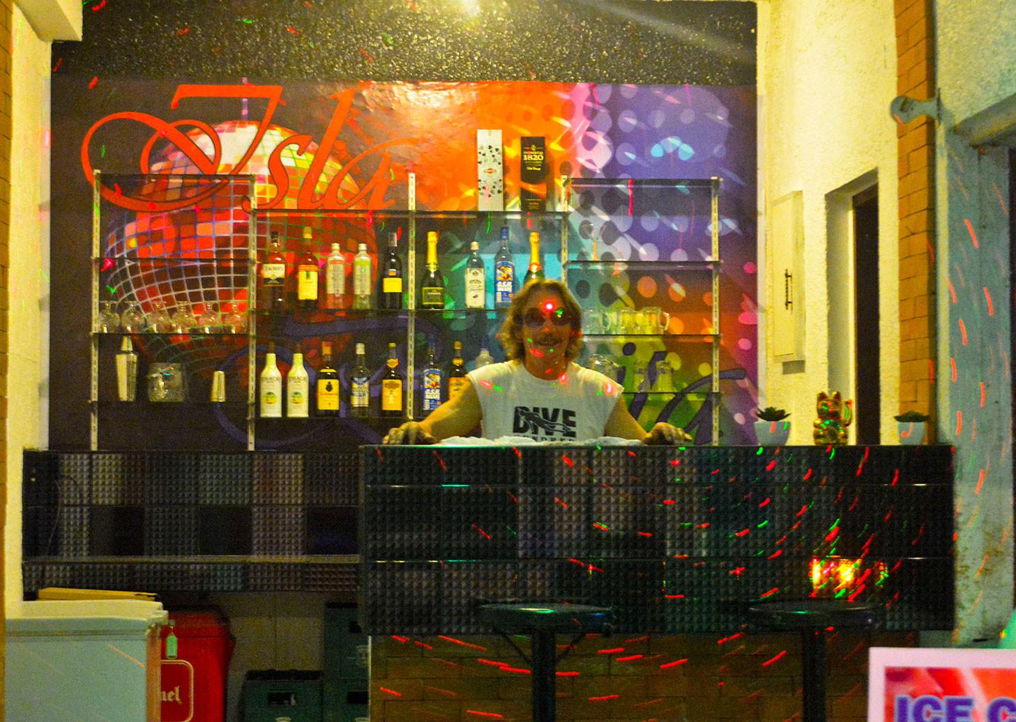 Bar & Resto