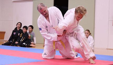 Hapkido style garppling