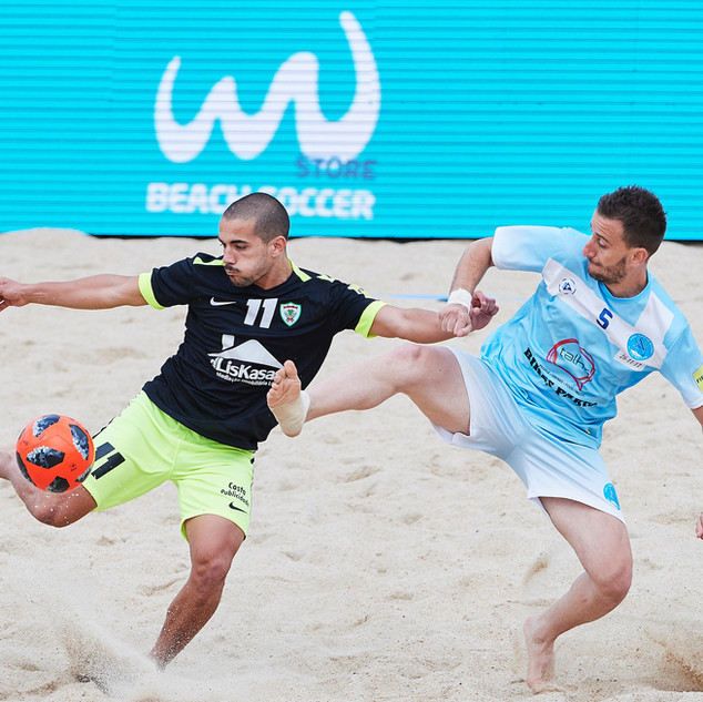 GROB Futebol Praia.jpg