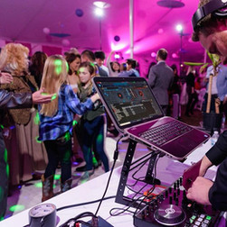 Our DJs are REAL DJs!  They do LIVE mixing and are HAPPY to take requests!  | Blue Diamond Events Weddings | Columbia, MO