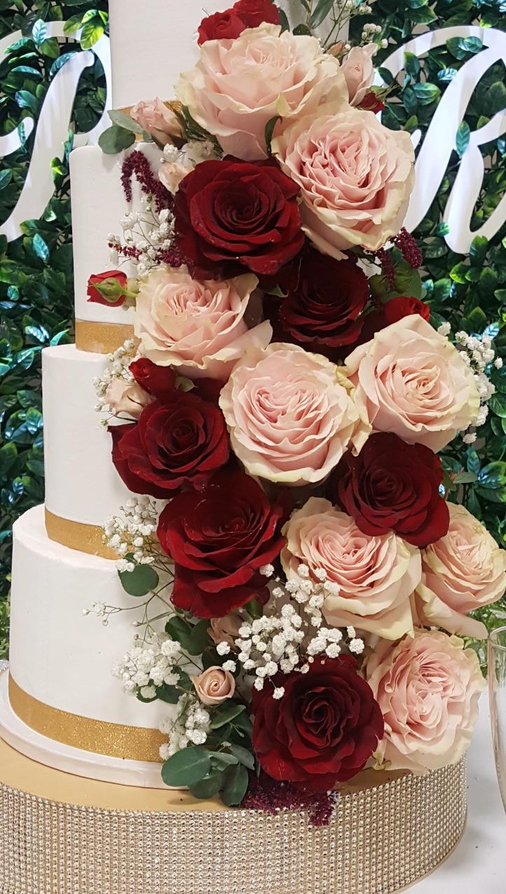 blush roses, red roses, gold, cake, wedding, dj, decor, wedding reception, columbia mo, missouri wedding, photography, burgundy, wedding inspiration