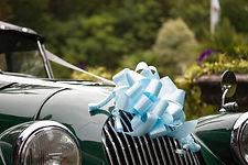 Tu conduces.  Llega conduciendo a tu boda en un coche vintage.Un día perfecto. Un Morgan para ti y tu pareja.Hacer una entrada inolvidable en tu boda, que cause sensación y deje un recuerdo único entre tus invitados.