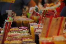 El mercado de la Boqueria, una placer visual, la alimentación mediterranea, frutas, verduras, carnes, pescados, setas, hierbas, quesos, repostería, encurtidos,…