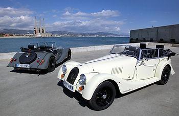 Morgan un coche clasico para bodas y rutas por Barcelona