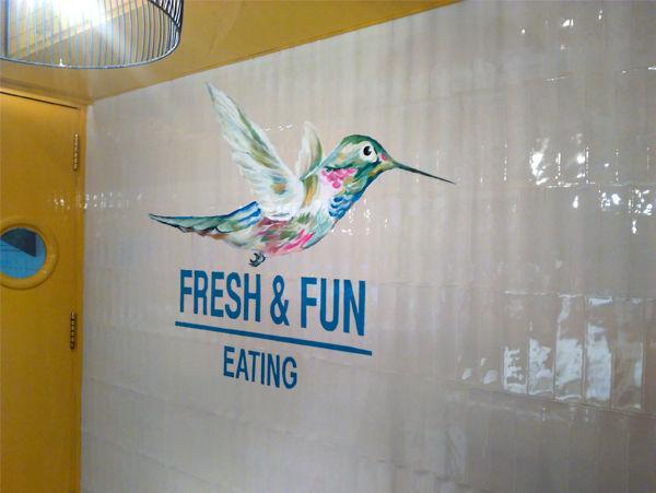 mural decorativo restaurante rawcoco