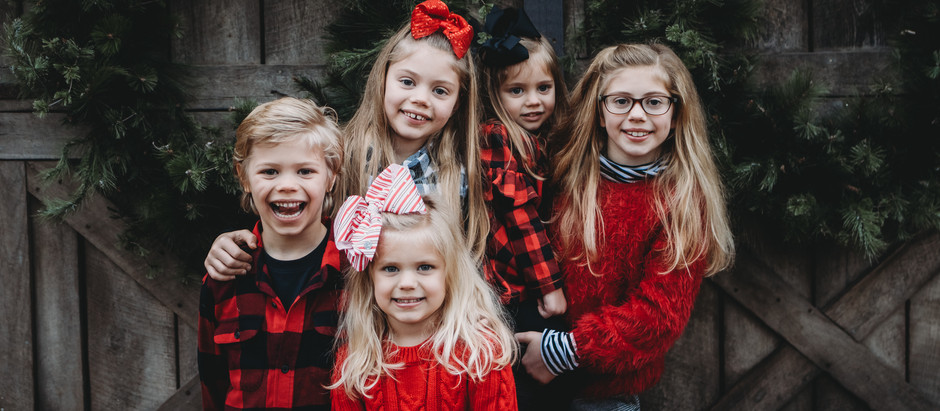 Holiday Minis at The Old Lucketts Store | Norther Virginia Family Photographers