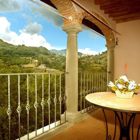 Arco, altana (balcone) di una delle camere matrimoniali
