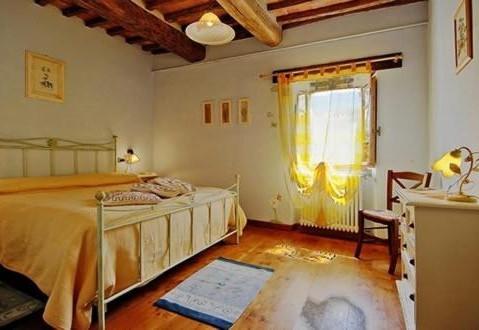 Arco, una delle camere matrimoniali