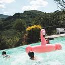 freschi giochi in piscina