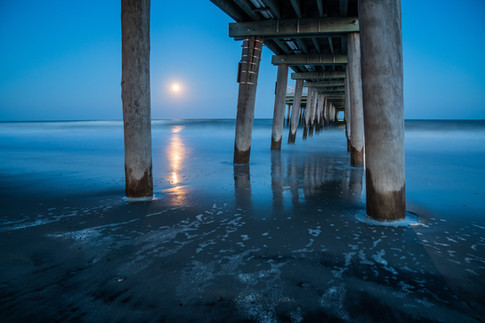 Moonrise under the Ventnor Pier