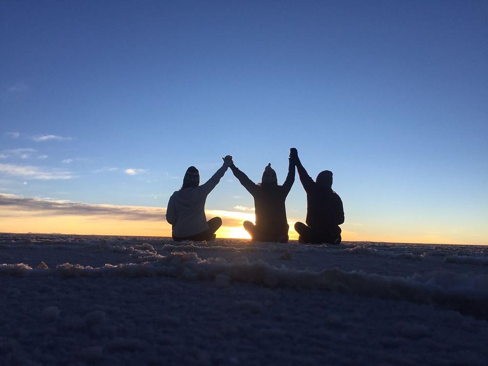 Nascer do sol no Salar de Uyuni - viaje com pouco