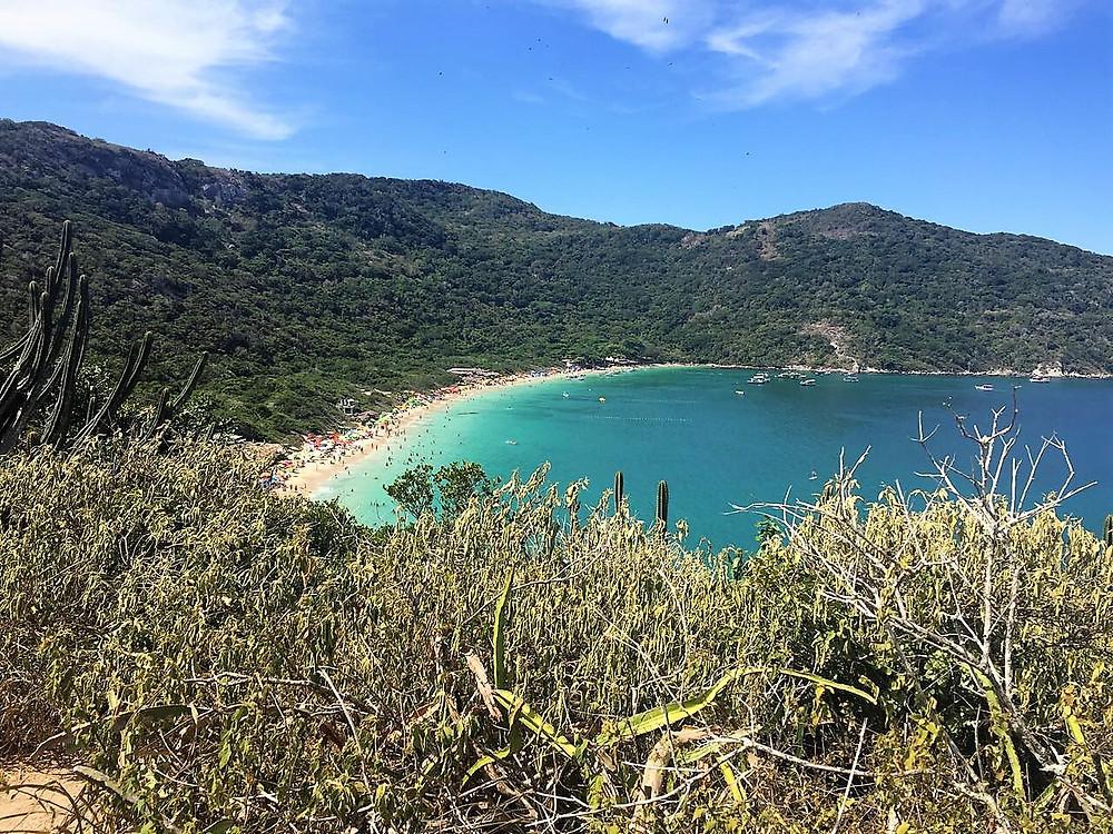 Viaje com pouco - Praia do Forno - Arraial do cabo