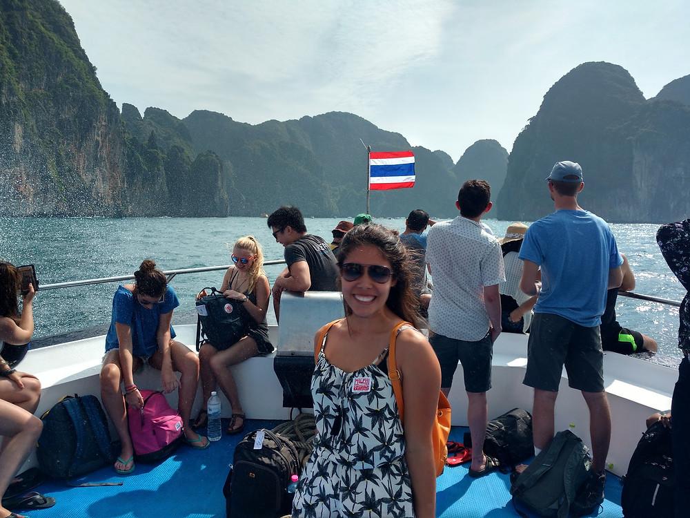 Viaje com pouco - Ferry Boat Phi Phi