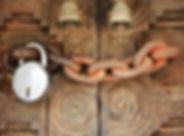 Chained Tür