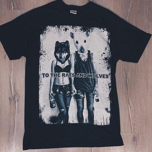 Unsere aktuelle T-Shirt Produktion für _totheratsandwolves 😍_⠀⠀_Wir haben mit 1c und unterleget geprinted! ⠀⠀_Möchtest du auch dein eigenes_