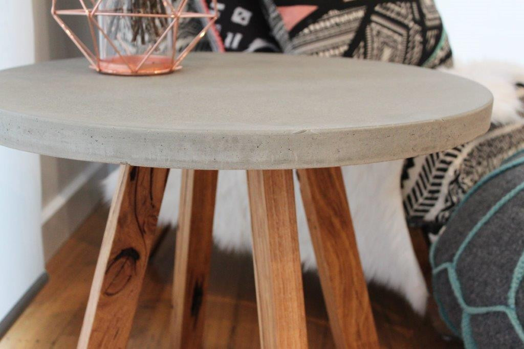 Coffeetable_b.jpg