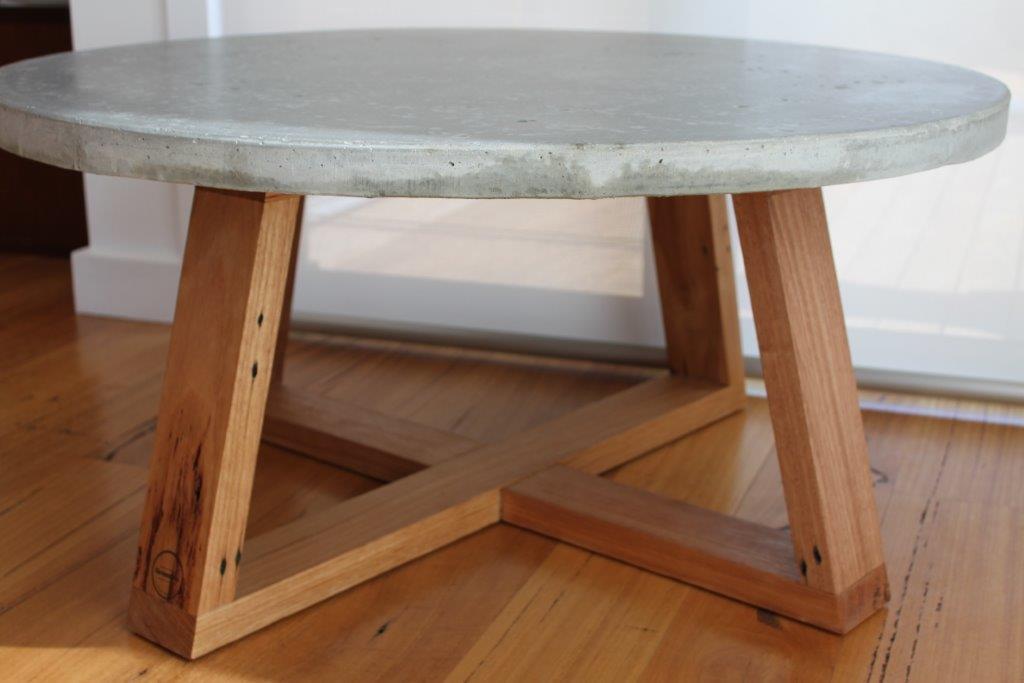 Coffeetable_a.jpg