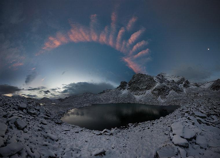 озера у ледника в цирке г. Малая Марка