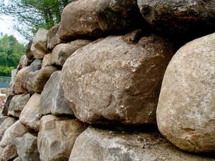 Stacked-Boulder-Wall-Minnesota-Aloha-Lan