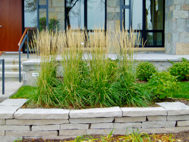Residential-Stone-Wall-Planter-Minnesota