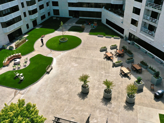 Courtyard-Planters-Artificial-Turf-Minne
