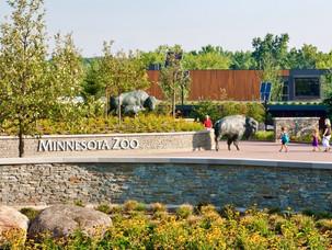 MInnesota-Zoo-Heart-Entrance-Aloha-Lands