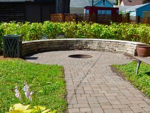 Round-Stone-Fire-Pit-Seats-Paver-Walkway