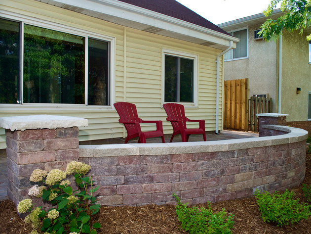 Front-Yard-Patio-Concrete-Wall-Landscapi