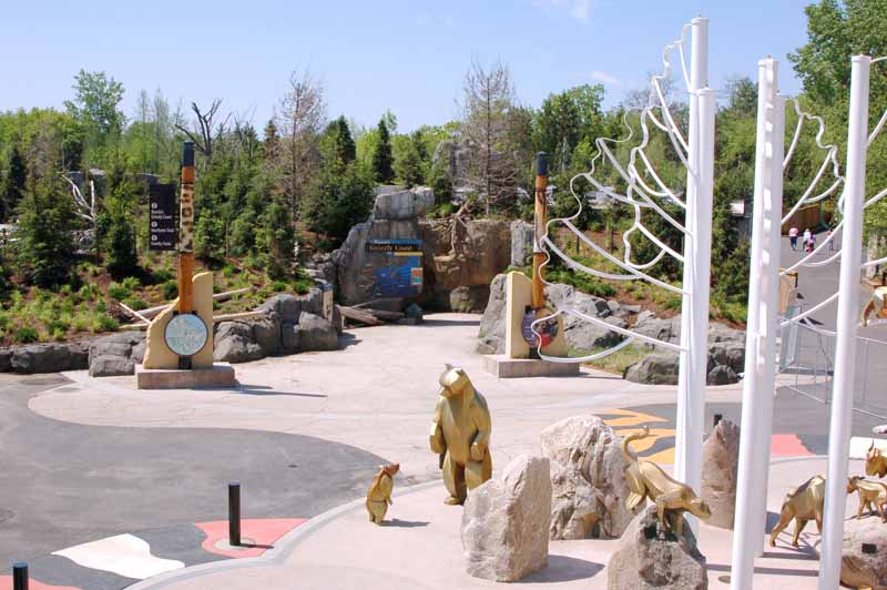 MN Zoo - Grizzly Coast Plaza