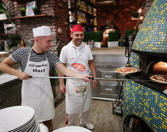 make-your-own-pizza-in-rome-4.jpg