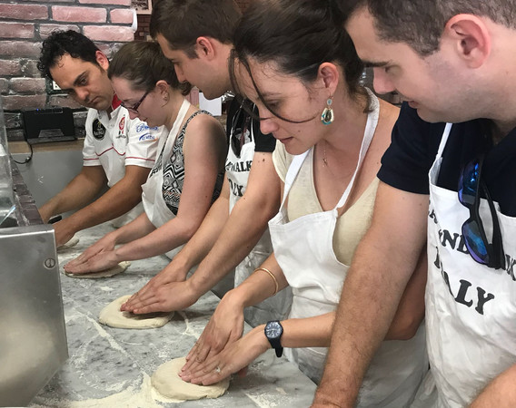 make-your-own-pizza-in-rome-7.jpg