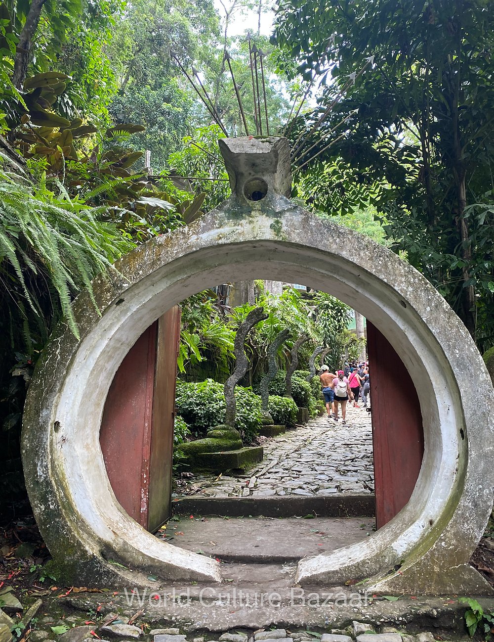Xilitla. las Pozas. Edward James. Surrealistic garden. The ring