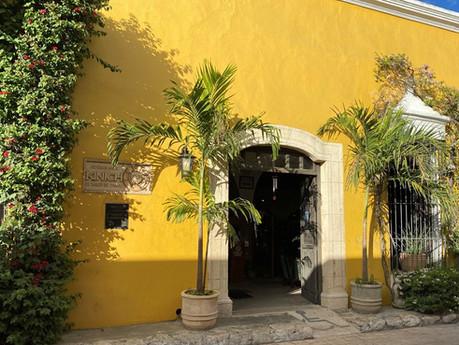 """""""Kinich"""" - a magical restaurant in a magical town"""