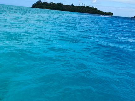 Bora Bora - penkiasdešimt melsvos spalvos atspalvių