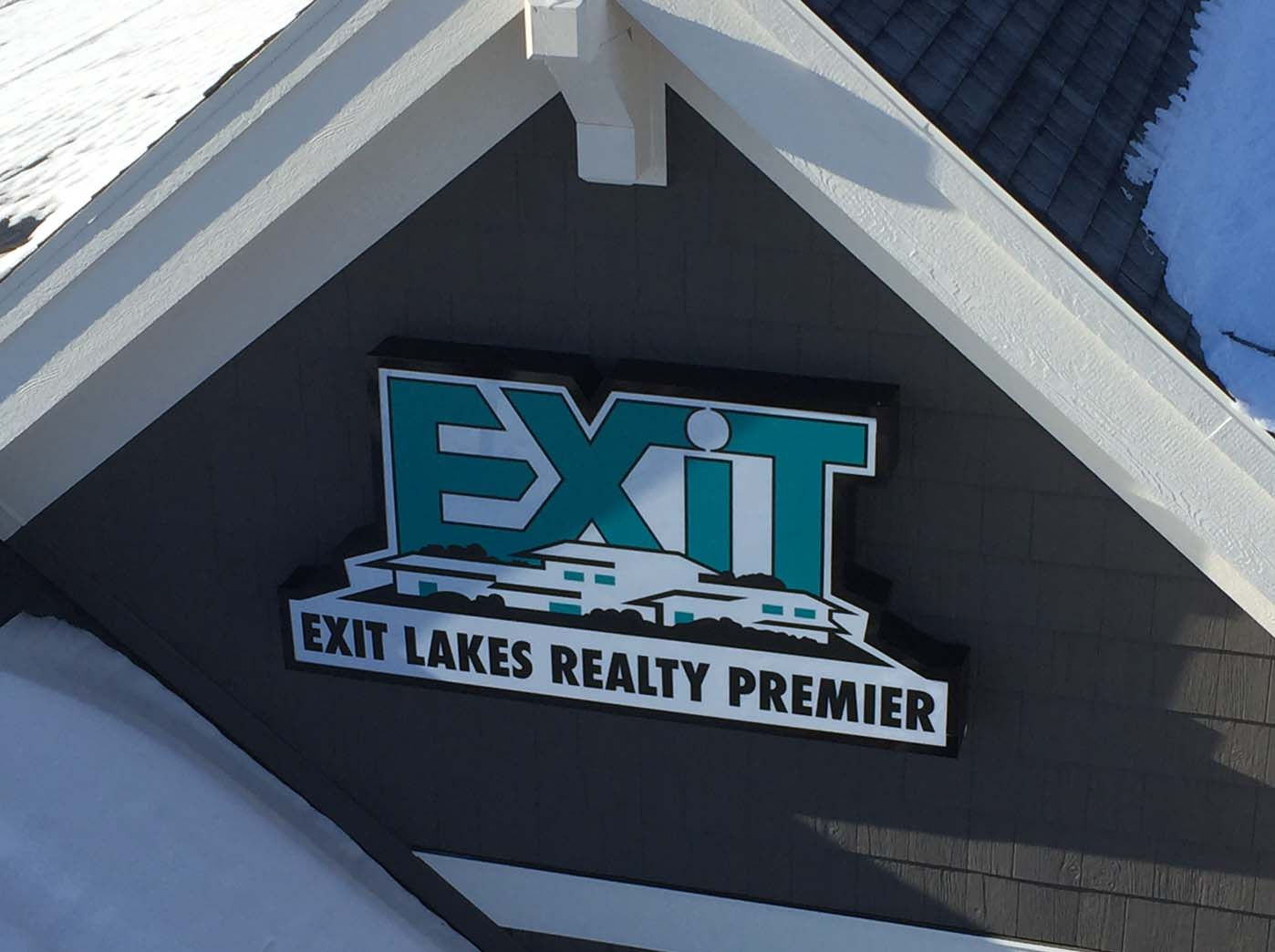 Exit Lakes Realty