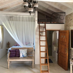 Ivoire bed.jpg