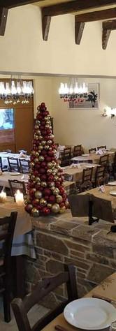 Taverna inside.jpg