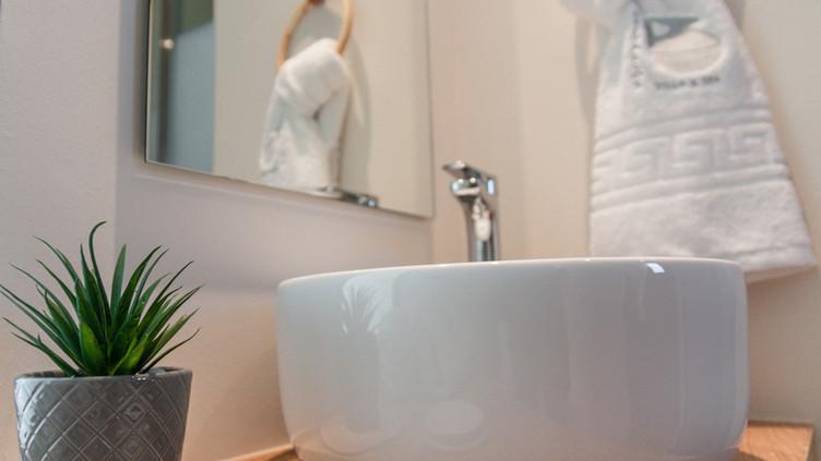 Lifetree Suite Bathroom