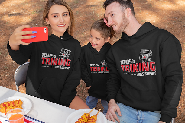 hoodie-mockup-of-a-family-taking-a-selfi