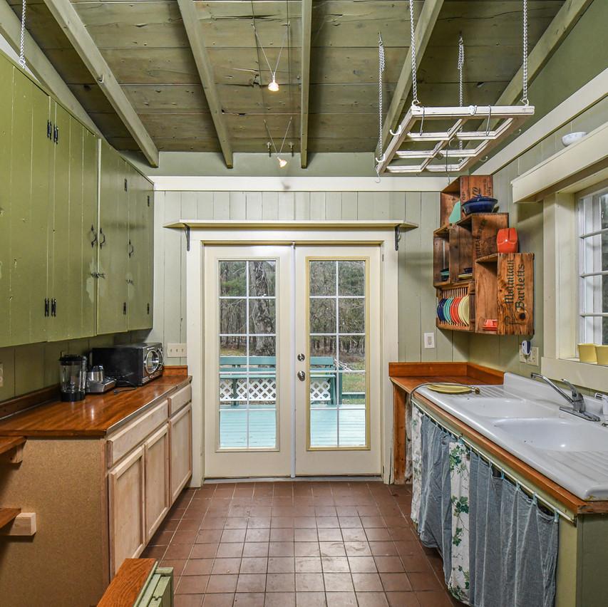 114WATERWHEEL_kitchen_realestate