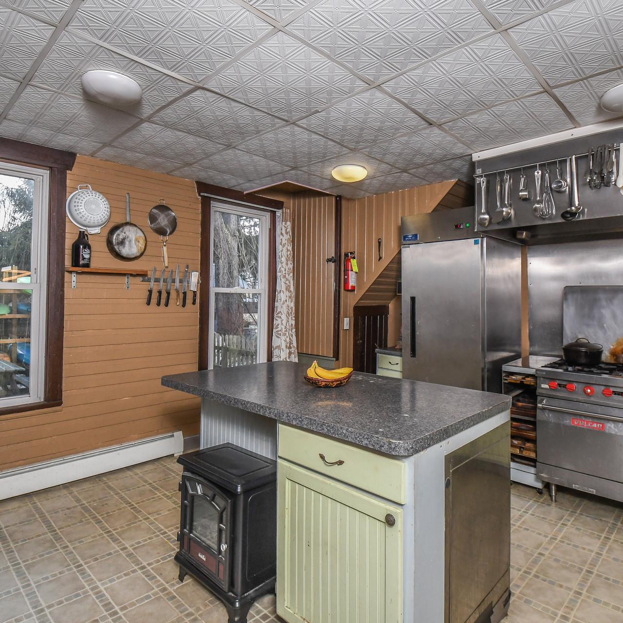 639WATERST_kitchen2-5928-2_realestate