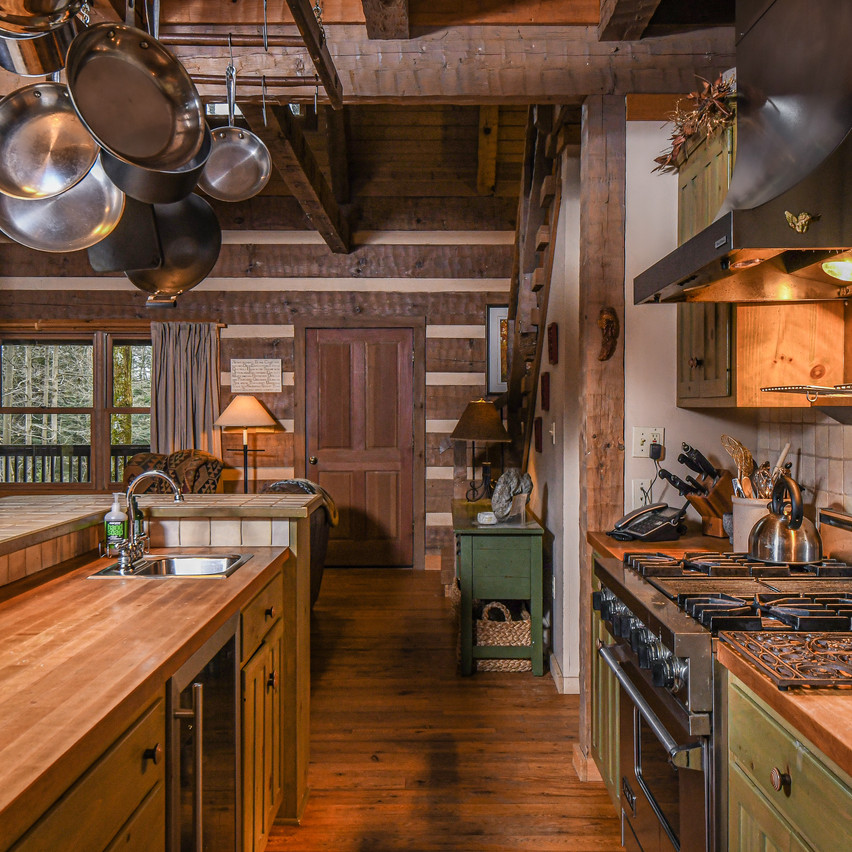 SAVAGERIVERLODGE_housekitchen4