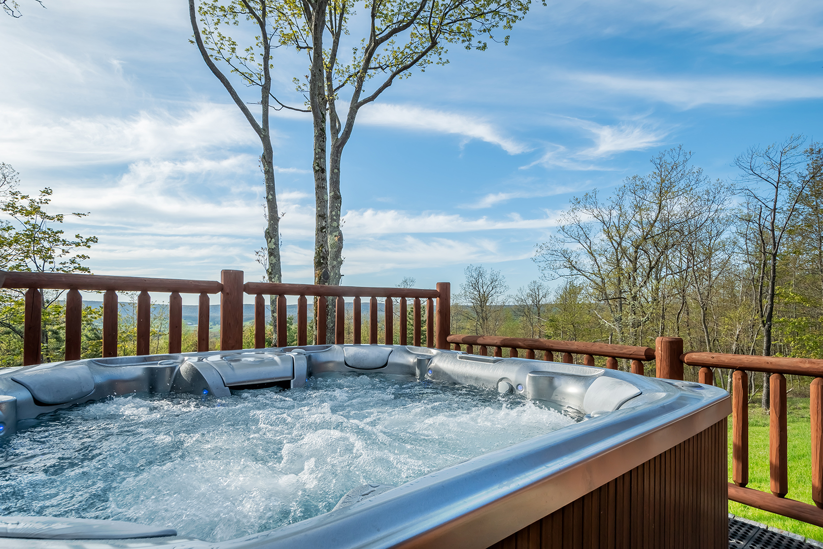 585SUMMITDRIVE_HotTub_1