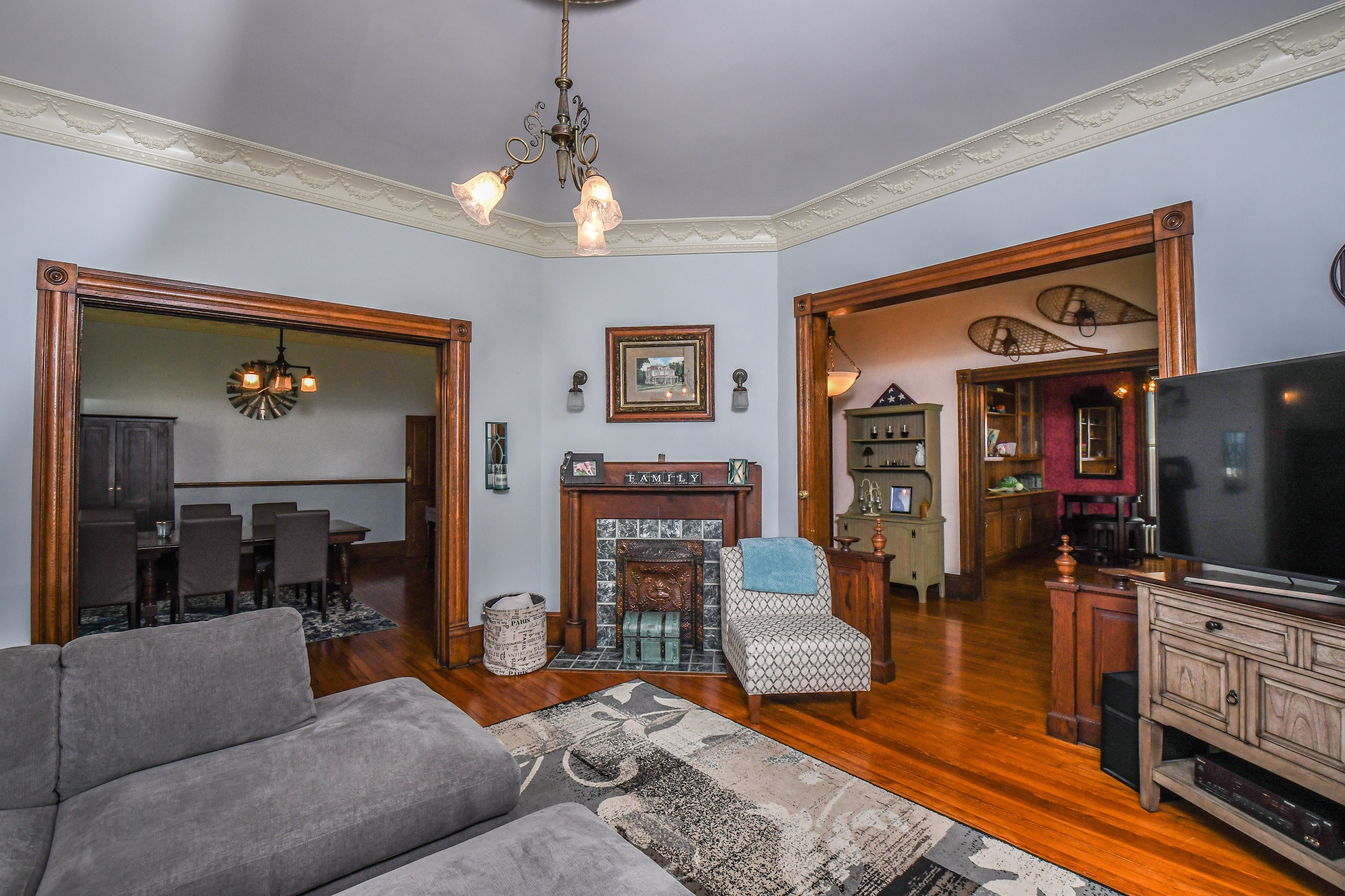113 G Street - The Colonial