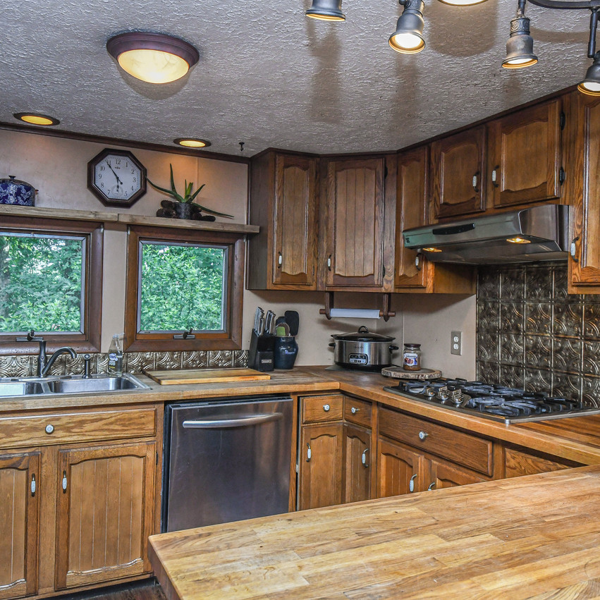 1138EAGLEROCK_kitchen2-4559_realestate