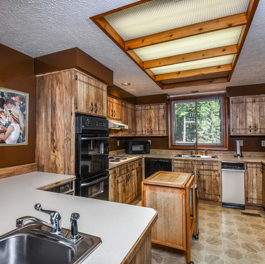 1762PARADISEPOINT_kitchen2-0543_realesta