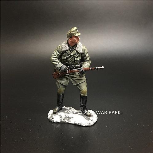 SP001 German sniper searching target