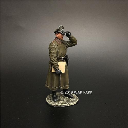 KH067 German Officer with Binoculars