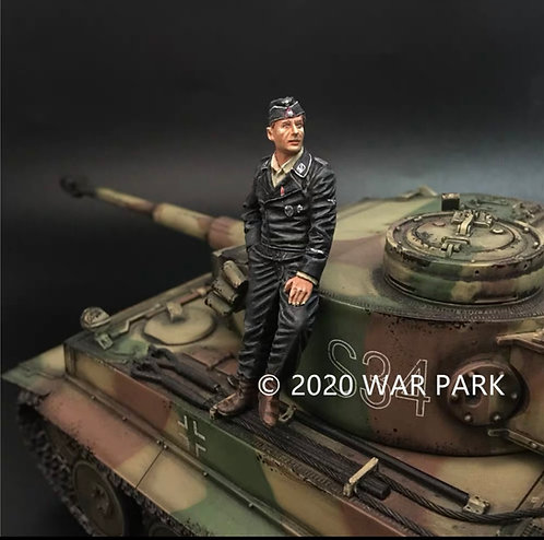 KU067 SS Tank Crew Commander